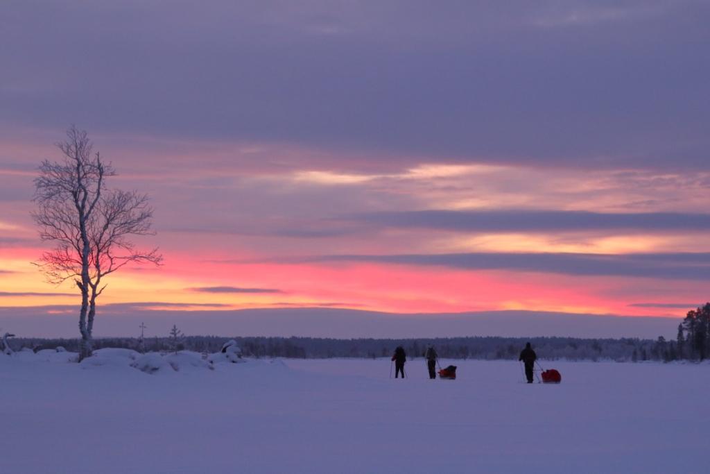 Inarijärven kaamosvaellus, Suomi